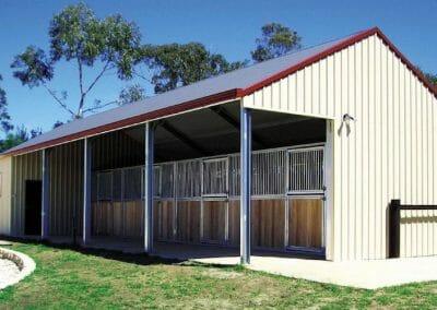 stable barn builders